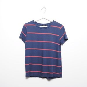 Forever 21 Women's Blue and Red Striped Tee Shirt